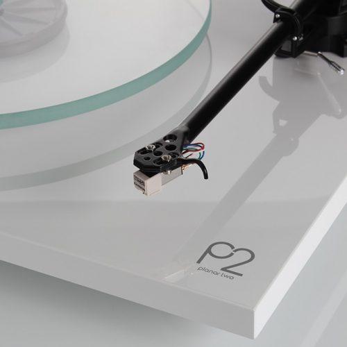 Rega Planar 2 (2016) Carbon Cartridge fitted